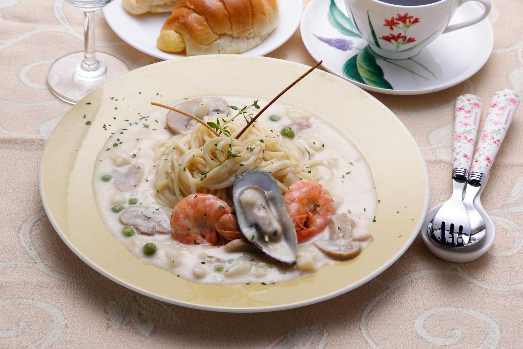 奶油海鮮麵